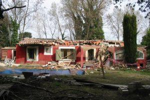 Après la crue de 2002 à Collias